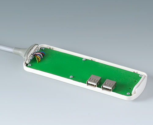 Simple connector assembly on the PCB